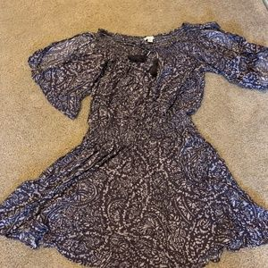 AE Off-The-Shoulder Paisley Grey dress - size S